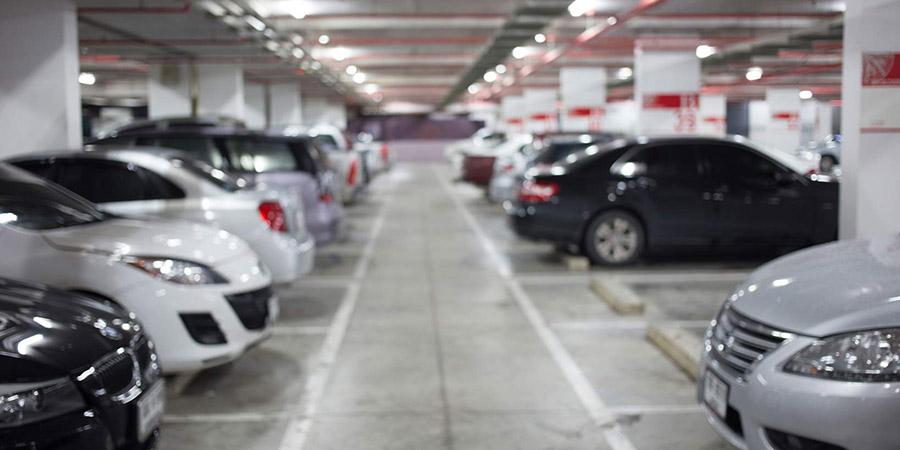 پارکینگ و موتور